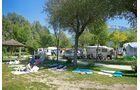 Der Campingplatz Lago di Levico liegt mitten in einem natürlichen Park direkt am Ufer des gleichnamigen Sees.