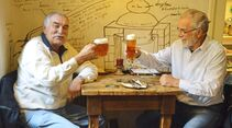 """""""Na zdravi"""" oder """"zum Wohl"""" heißt es in den zahlreichen Prager Brauereien und Bierstuben."""