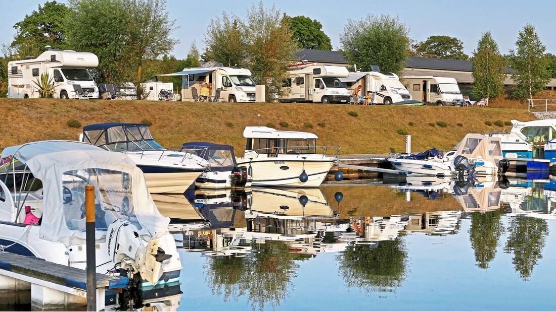Ab Wesenberg kann man reizvolle Boots- und Kanutouren unternehmen.