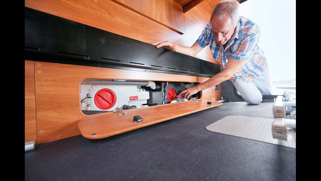 Ablassschieber und Wassertanks liegen im Doppelboden und sind notfalls austauschbar im Laika Kreos