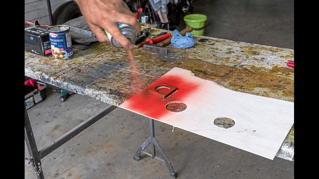 Acryllack sprühen bei anderem Farbwunsch