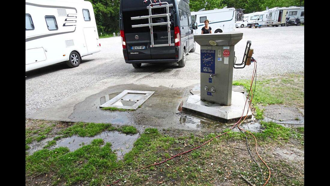Aire Accueil Camping-Car in Parentis-en-Born