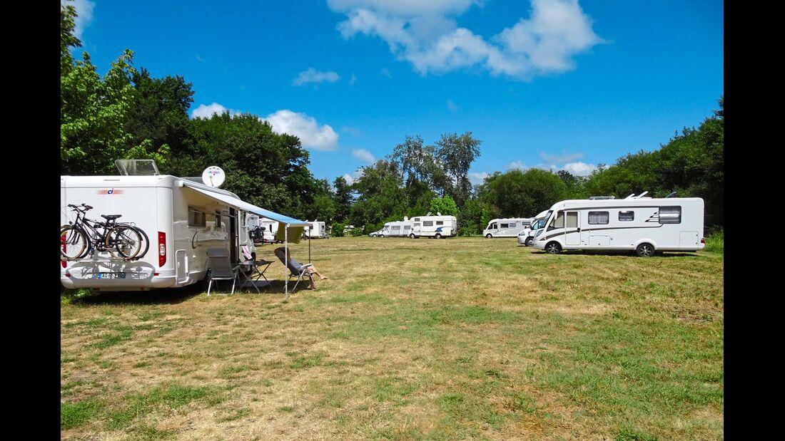 Aire Camping Car in Sainte-Eulalie-en-Born