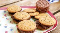 Allein mit ein paar verschiedenen Kekssorten kann man lang experimentieren.
