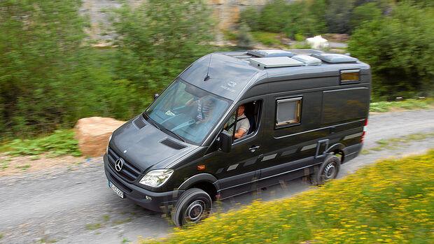Allrad-Campingbusse 12