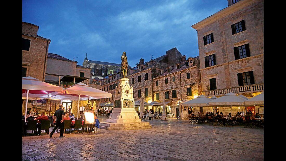 Altstadt von Dubrovnik abends