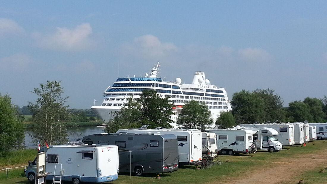 Am 28.06.2014 wird der Wohnmobil-Stellplatz Schachtholm in Schleswig-Holstein eingeweihnt. Dazu laden die Verantwortlichen herzlich ein. Es werden werden drei Übernachtungsgutscheine verlost.
