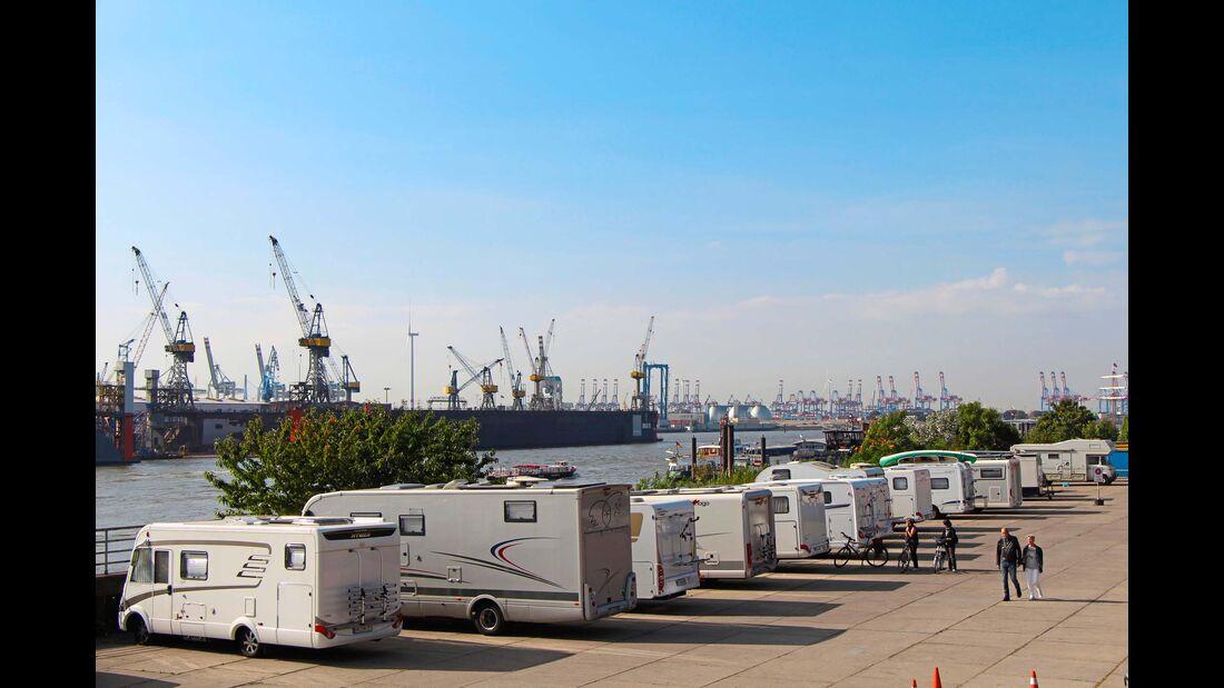 Am Hafen mit großartigen Ausblicken.