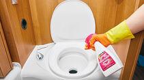 Aqua Rinse Spray von Thetford soll eine gleichmäßigere Spülung begünstigen und Fleckenbildung verhindern