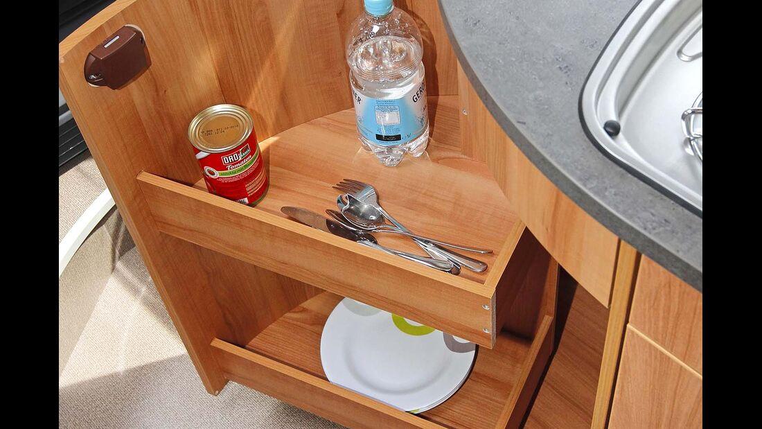 Auch hohe Flaschen passen in den tollen Drehschrank.