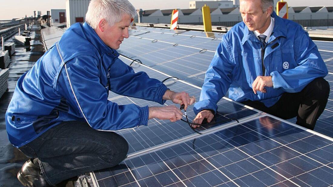 Auf dem Gelände von VW Nutzfahrzeuge in Hannover wurde nach  zweimonatiger Bauzeit eine Photovoltaikanlage eingeweiht
