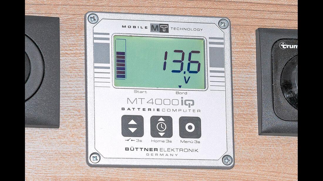 Batteriecomputer zeigt Restkapazität oder Stromentnahme an