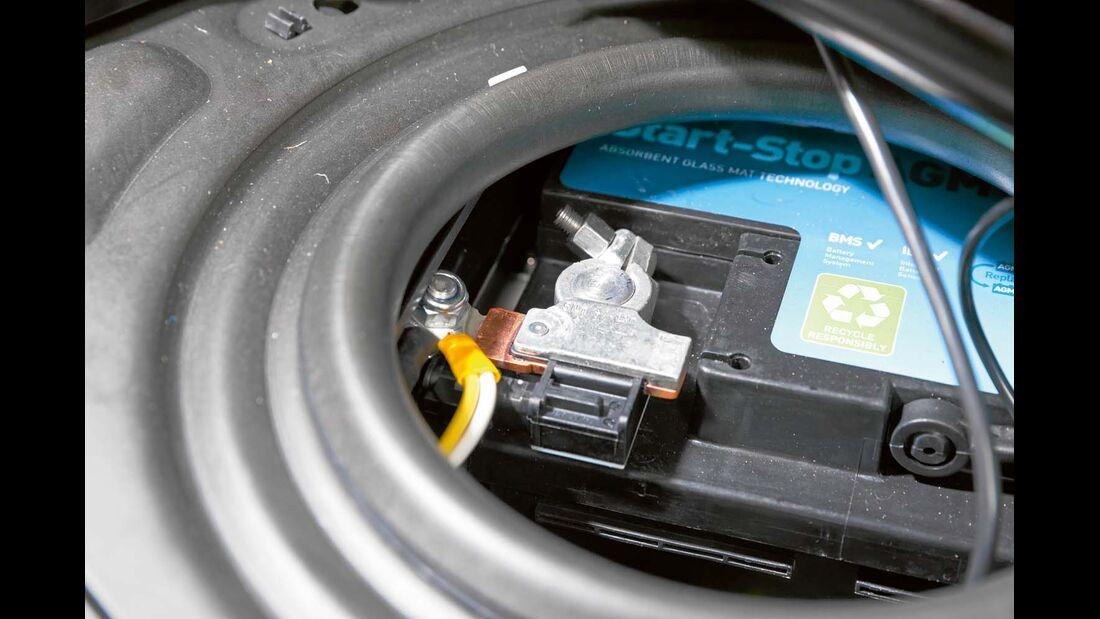 Batteriesensor ermittelt Zustand und Ladebedarf des Bordakkus – Serie bei De Luxe.