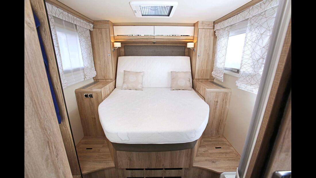 Befindet sich das Bett in der tiefsten Stellung, kommt man von beiden Seiten bequem rein.