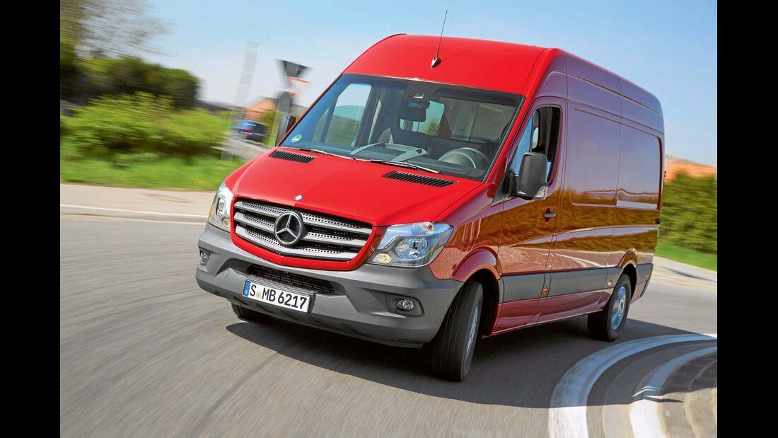 Bei Mercedes gibt es schon länger Euro-6-Motoren mit Adblue-Zusatz.