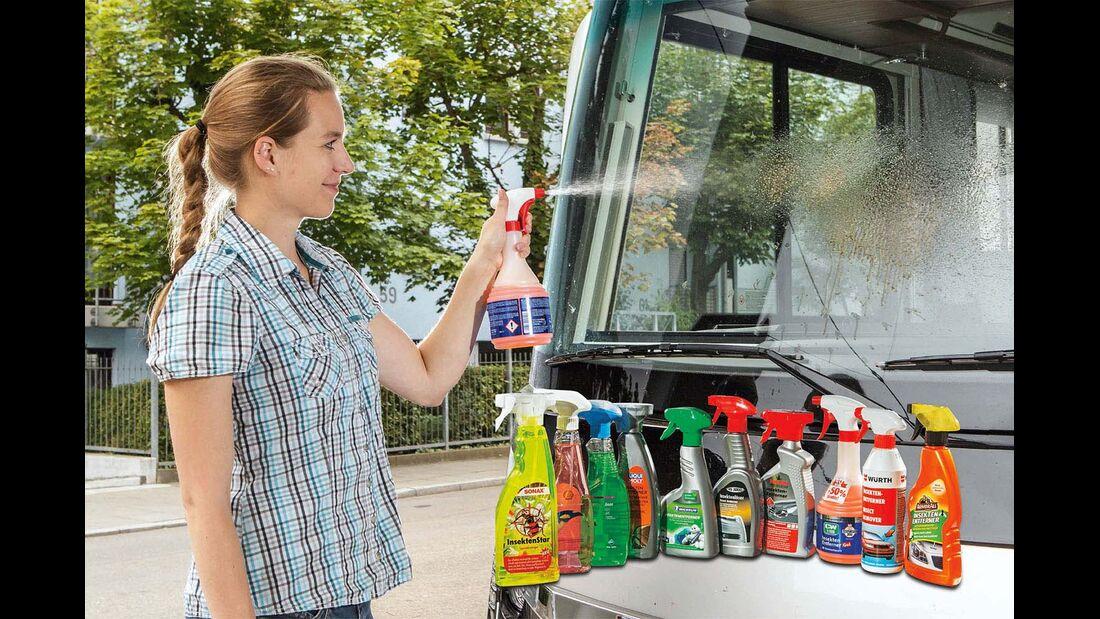 Bei hartnaeckigem Insektenschmutz ist das Reinigen mit Wasser und Schwamm aufwendig.