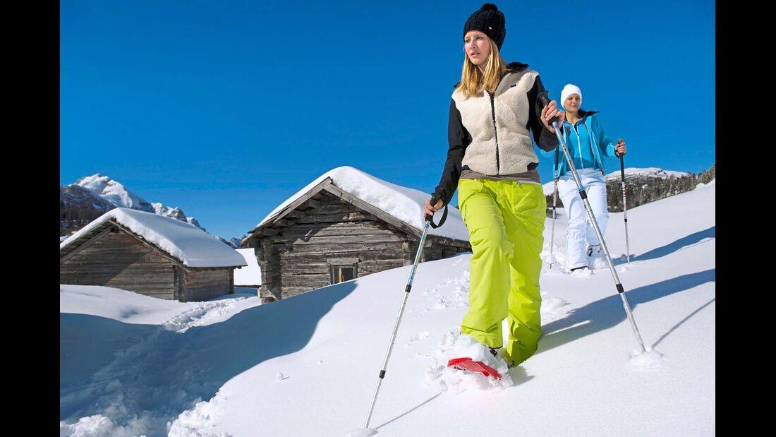 Beim Schneeschuhwandern kann man in aller Ruhe die tolle Landschaft genießen.