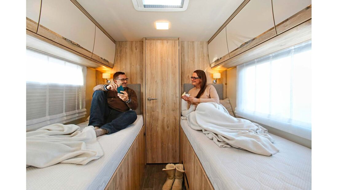Betten bequem und ausgezeichnet zugänglich im Eura Mobil Integra Line 730 EB