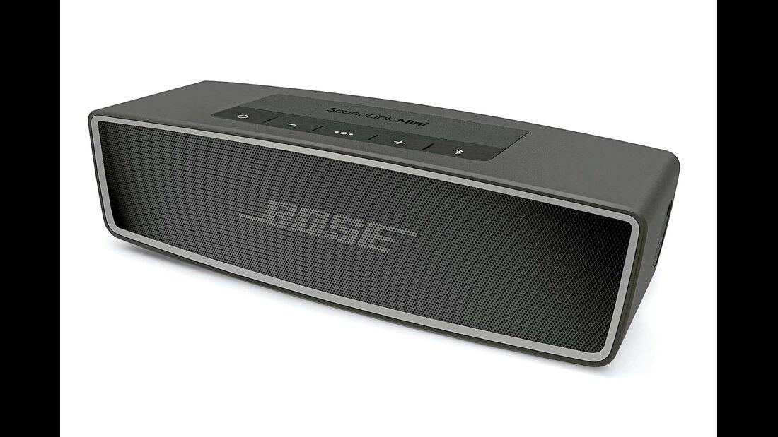 Bose Soundlink Mini II: Wird nach den Flagschiffen der mobilen Bluetooth- Lautsprecher gefragt, kommen immer wieder der Bose Soundlink und der Soundlink Mini ins Spiel. Mit zehn Stunden Akkulaufzeit hält der Soundlink Mini recht lange durch. Sein Klang ist warm und kräftig. Wirklich outdoorfähig ist er aber nicht.