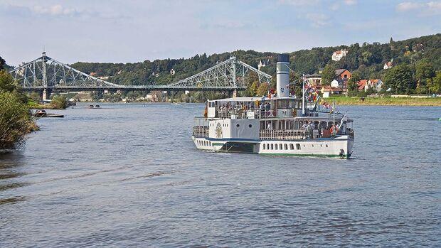 Brücke Blaues Wunder Elbdampfer Weiße Flotte