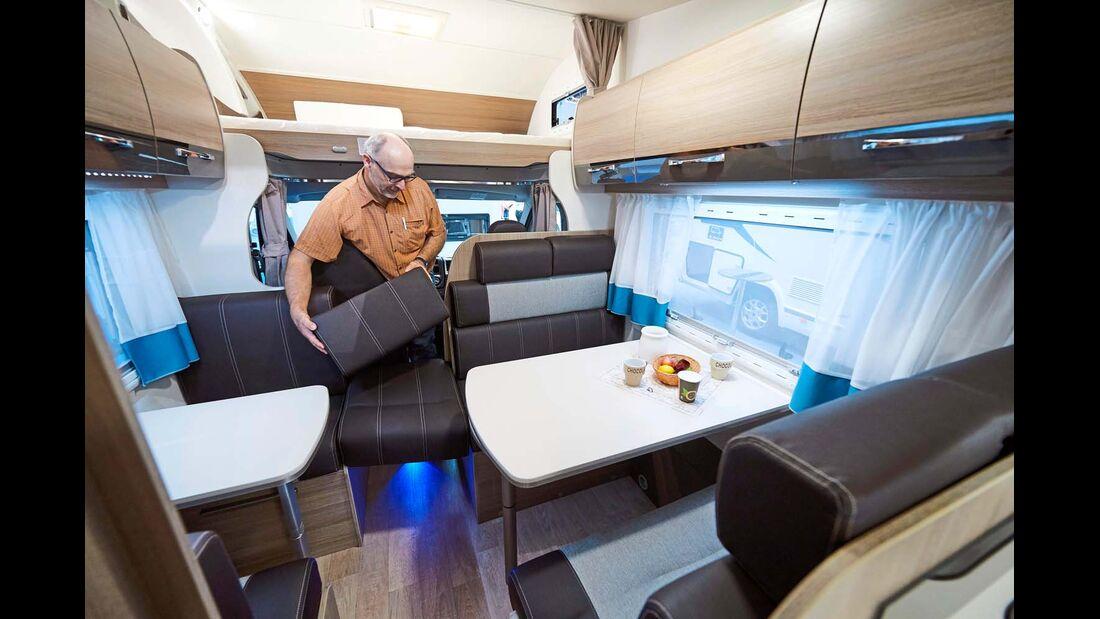 CHAUSSON Der Flash C 656 ist eines der günstigsten Modelle des Marktes, das bis zu sieben Personen auf Reisen beherbergen kann.
