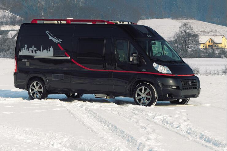 CMT 2009 Adria Twin GiT Black Sound Reisemobile Vans Wohnmobile Neuheiten promobil