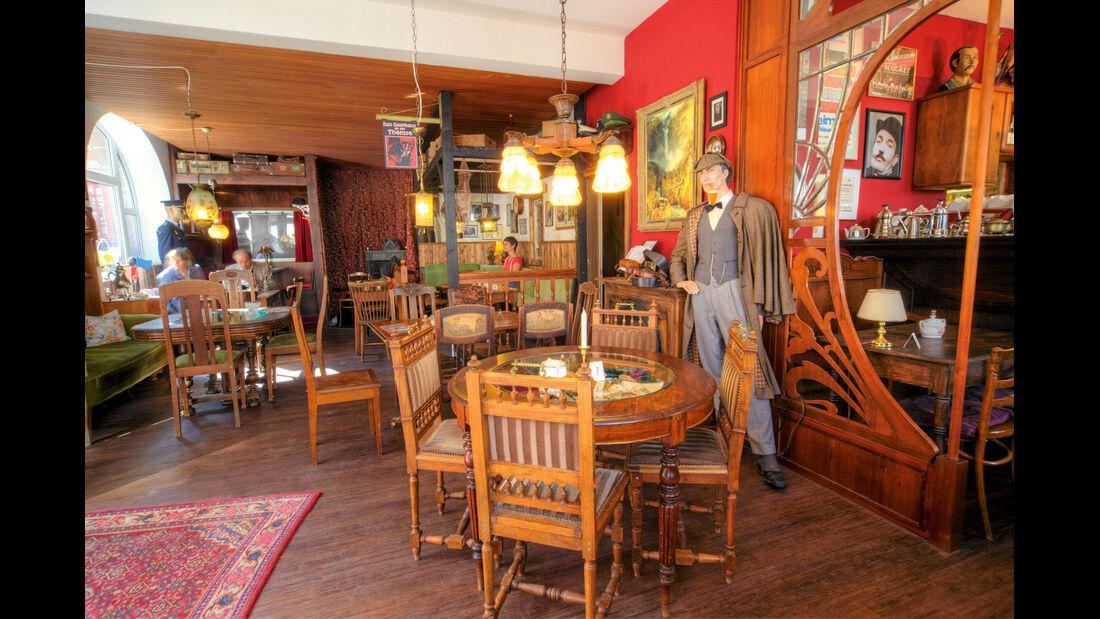 Café Sherlock im kleinen Ort Hillesheim