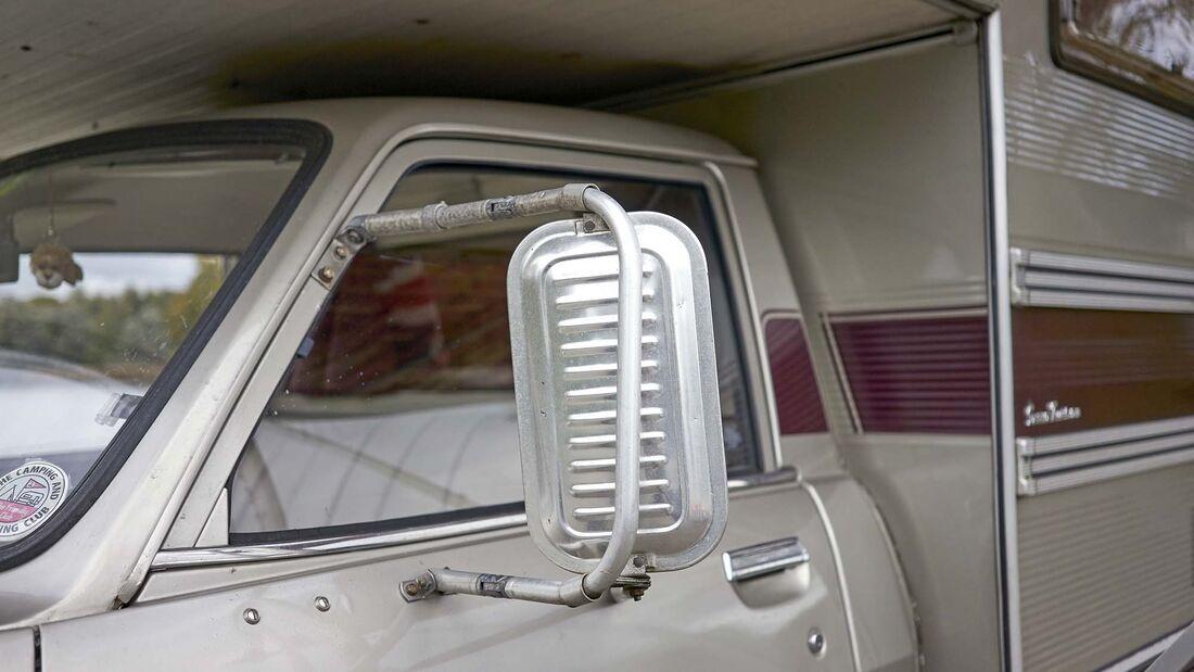Camping Oldtimer Peugeot 515