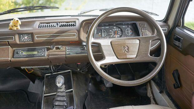 Camping Oldtimer Peugeot 516