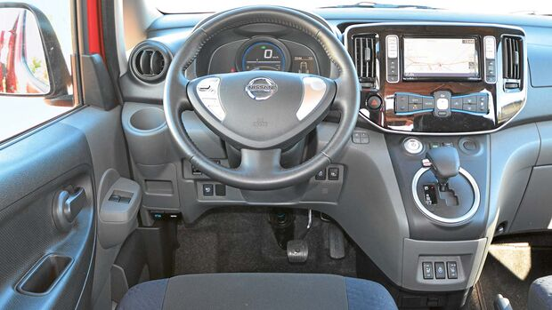 Cockpit Nissan e-NV 200