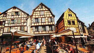 Colmar: Fach- werkbauten prägen die Altstadt.
