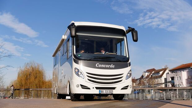 Concorde Carver 890 RRL