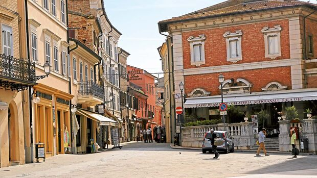 Corso Boccalini im Wallfahrtsort Loreto.