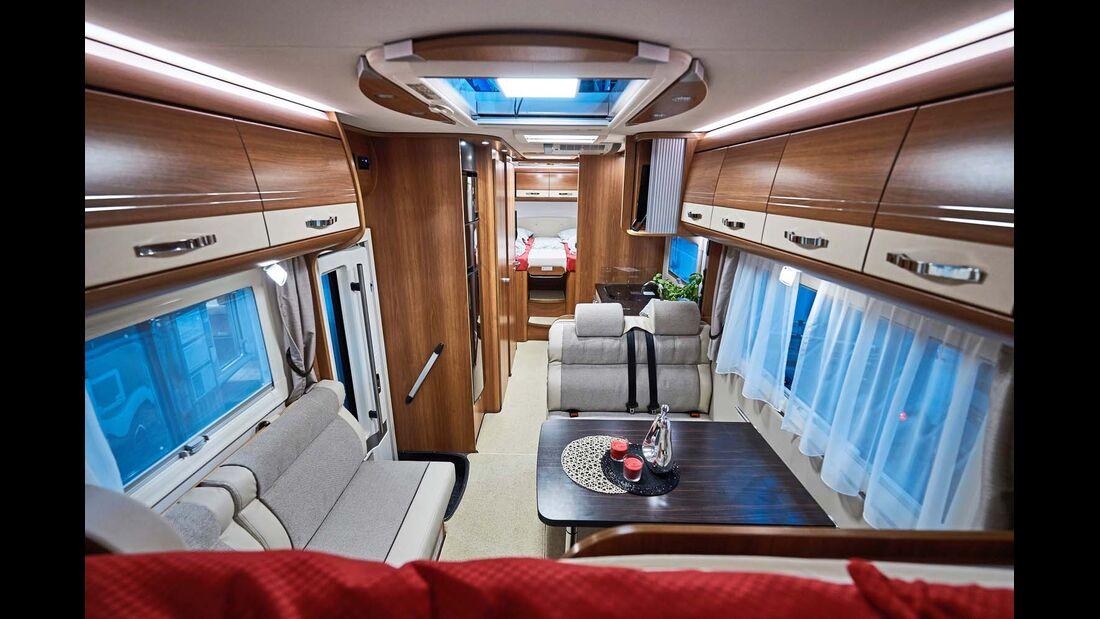 DETHLEFFS Viel Platz und eine überdurchschnittlich hohe Zuladung bieten die 8,85 Meter langen Globetrotter-XXL-Modelle auf Iveco Daily.