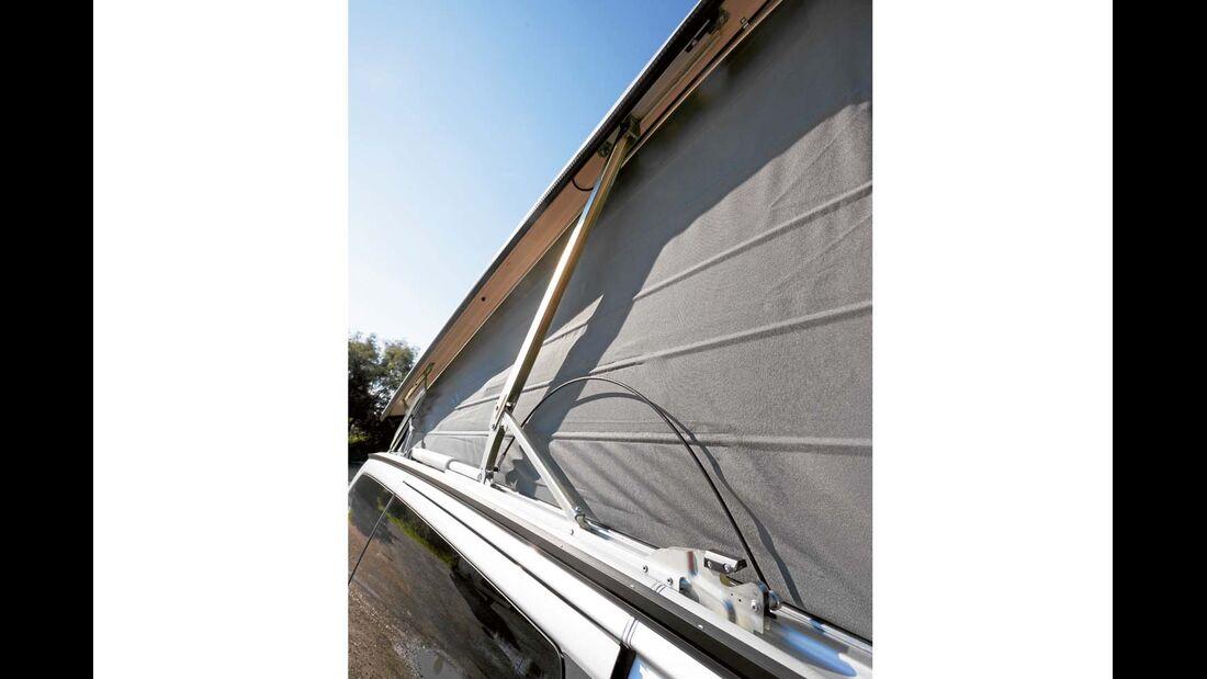 Dach beim Mercedes Marco Polo öffnet optional elektrisch und leiser als beim VW.