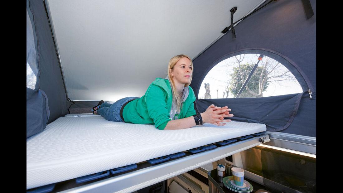 Dachbett mit Tellerfedern bequem, aber die einzige Schlafgelegenheit bei Westfalia