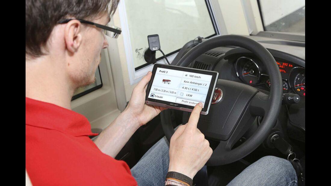 Das 440 Euro teure Becker Transit 7SL EU soll große Reisemobile bequem ans Ziel führen.