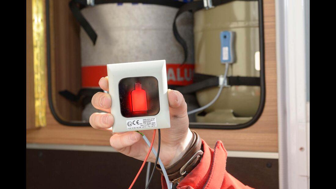 Das Anzeigegerät des Gaslevels leuchtet rot (kein Gas) oder grün (Gas).