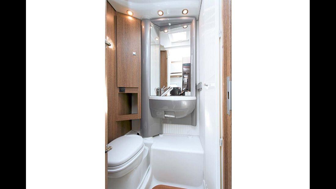 Das Bad mit drehbarem Waschtisch ist schon ein Dethleffs-Klassiker.