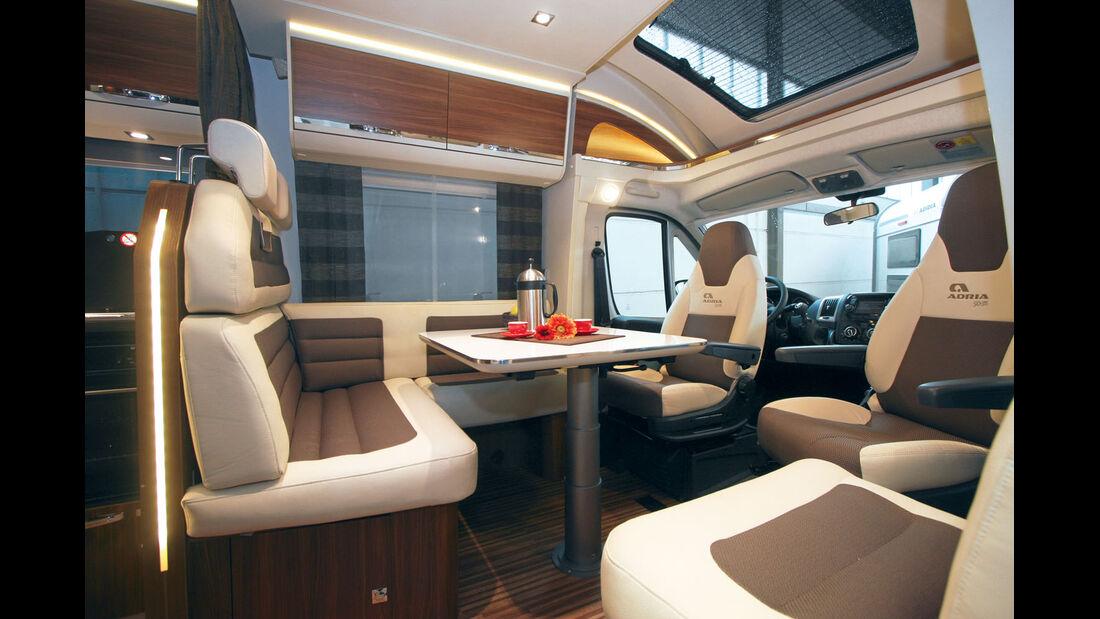 Das Hubbett integriert sich elegant in den Wohnbereich.