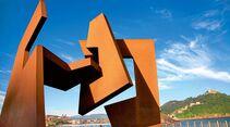 """Das Kunstwerk """"""""Leere Konstruktion"""""""" von Jorge Oteiza."""