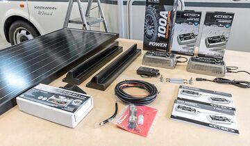 Das Ladesystem von Ctek besteht aus mehreren Komponenten. Zusätzlich bauen wir eine Solaranlage ein. Die Montage dauert fast einen Tag.