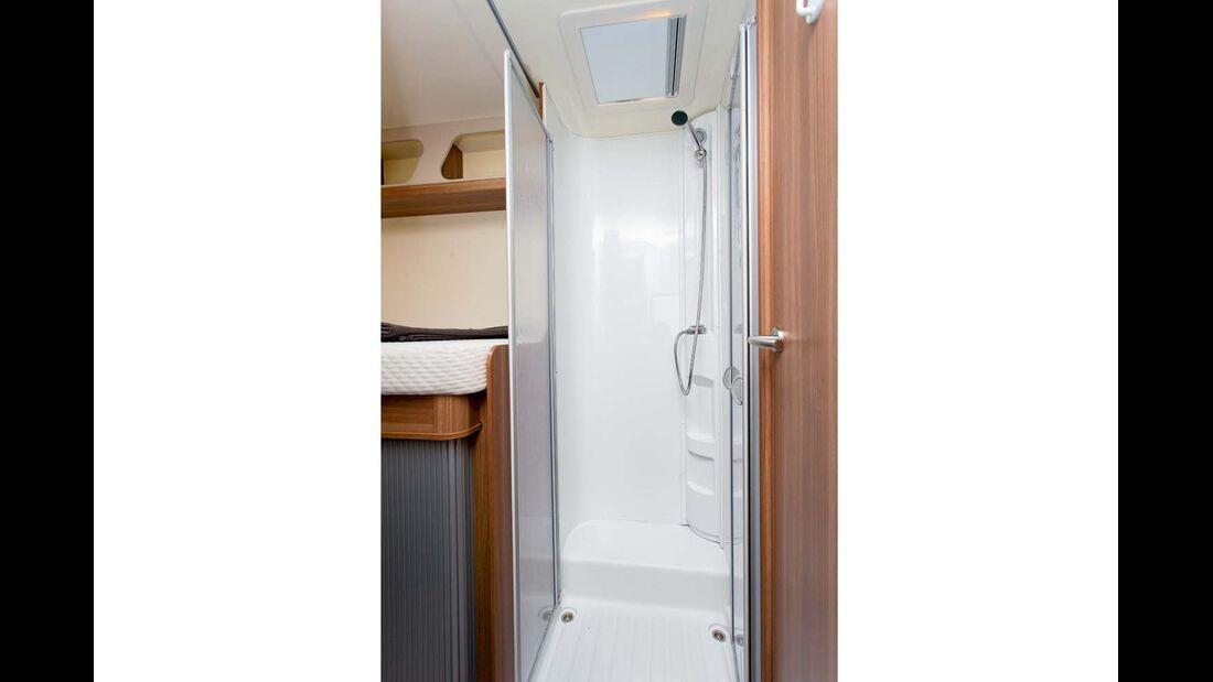 Das Längenplus wird in eine separate Dusche investiert.