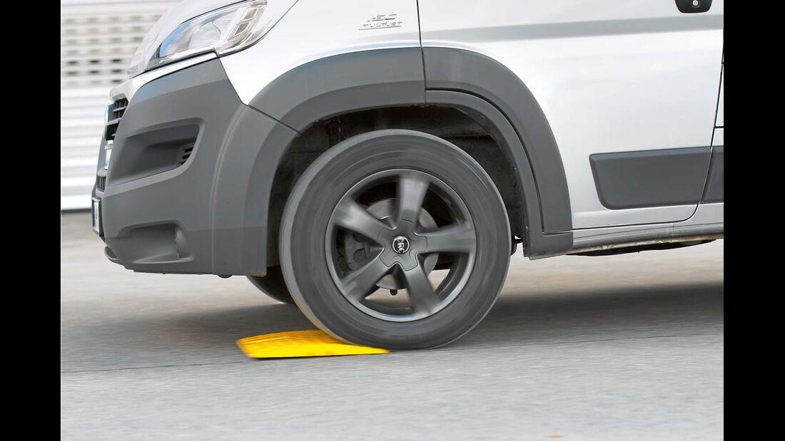 Das Luftpolster in den 18-Zoll-Reifen ist größer und vor allen Dingen weicher.