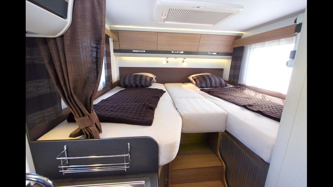 Das Schlafzimmer mit zwei Einzelbetten mit 2,00 und 1,90 Meter Länge beim Adria