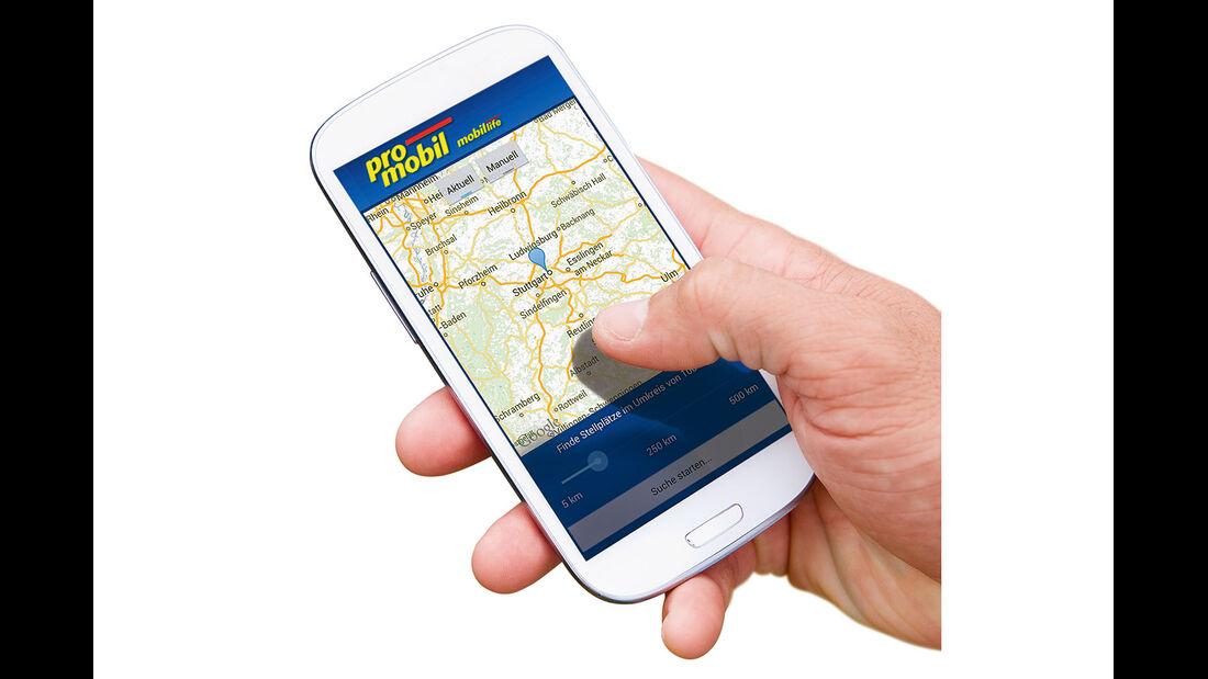 Das Smartphone verbindet den User heute mit der promobil-Datenbank.