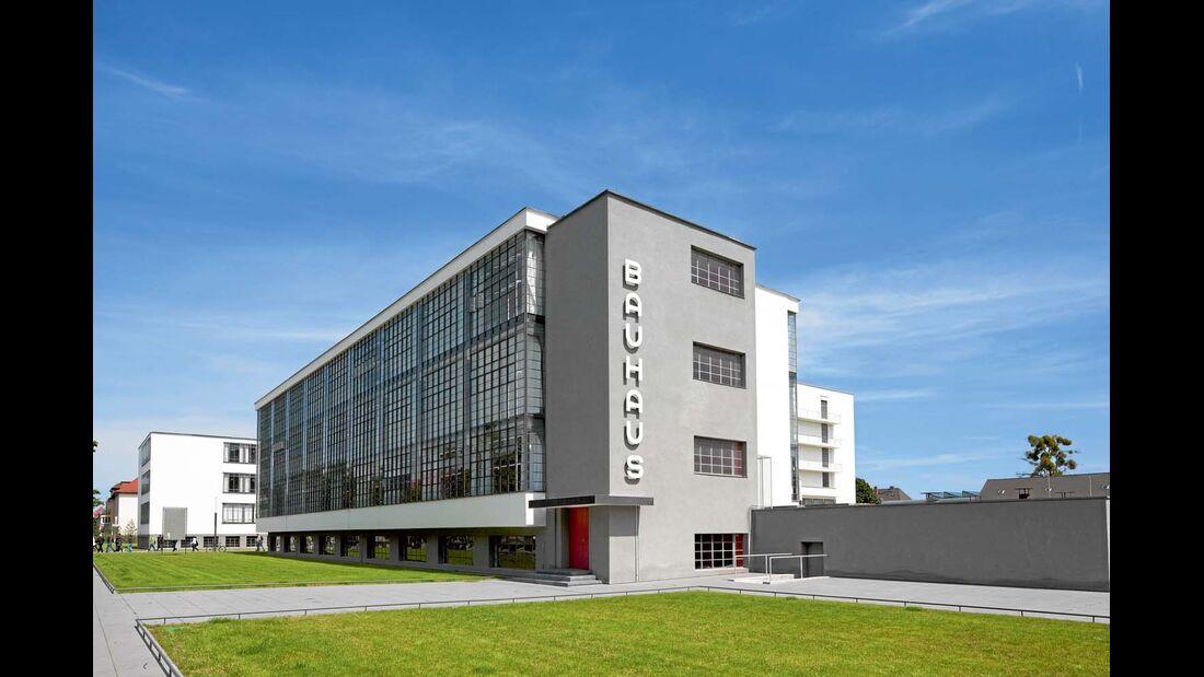 Das ehemalige Unigebäudein Dessau beherbergt heute eine Ausstellung über das Bauhaus.