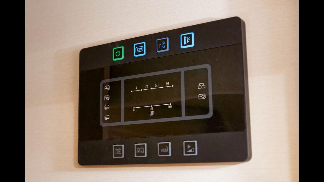 Das schicke Kontrollbord hat nur die allernoetigsten Funktionen.