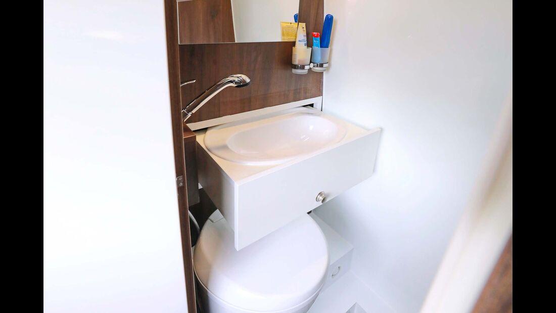 Das solide ausgeführte Schubladen-Waschbecken sorgt für die nötige Bewegungsfreiheit im Bad.