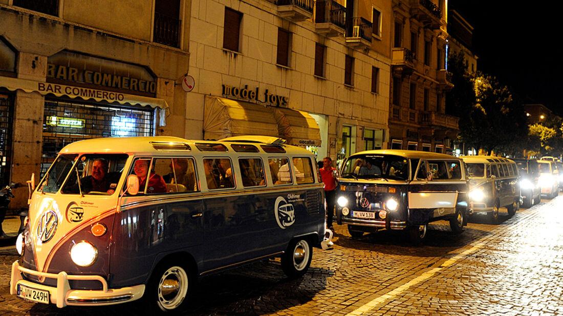 Den 60. Geburtstag des Campers hat VW Nutzfahrzeuge jetzt im Byblos Art Hotel Villa Amista im italienischen Verona gefeiert